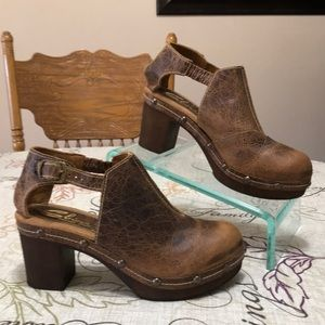 New! Sbicca USA Leather Vintage Collection Shoes